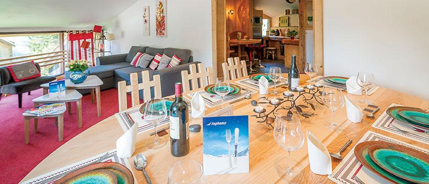 france_avoriaz_chalet-fleurie_dining-room.jpg